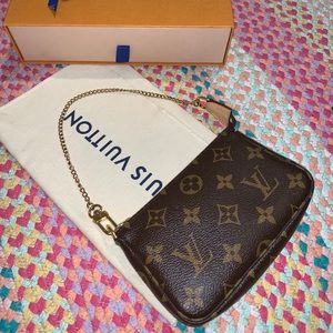 Louis Vuitton mini pochette monogram 2019 LIKE NEW